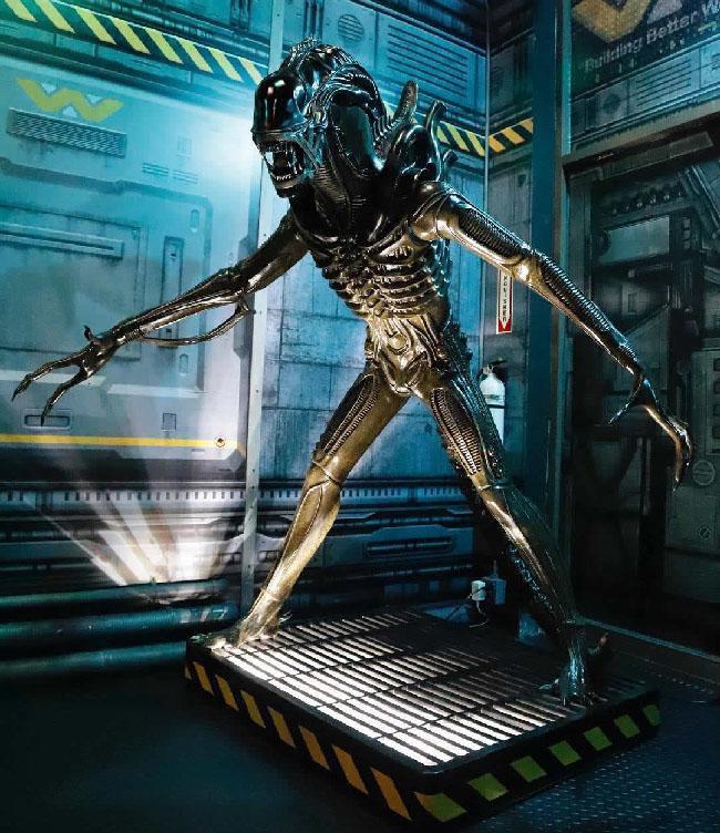 """Photo of Xenomorph alien statue found in """"Alien: Descent."""""""